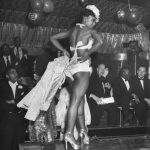 Concurso de disfraces en el Urban League Ball en el Savoy Ballroom 1949