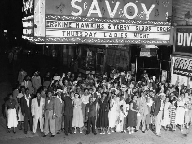 1952 Crowd Outside the Savoy in Harlem 1952 Getty Images 514880892 Bettmann 1