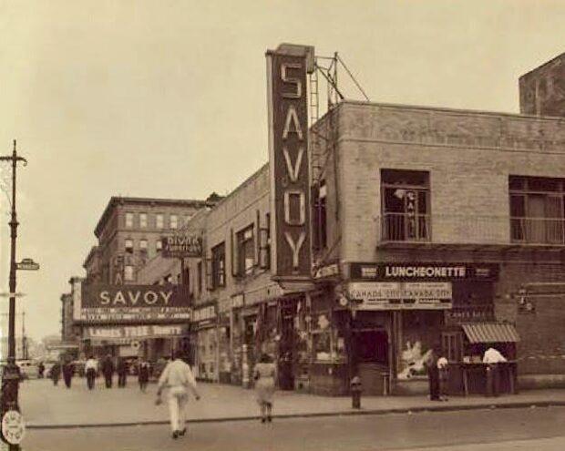 Exterior del Savoy Ballroom desde Lenox Ave 140th St