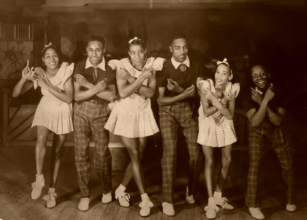 "Madeline y Freddie Lewis, Big Bea, Leroy ""Stretch"" Jones, Little Bea y George Snowden"